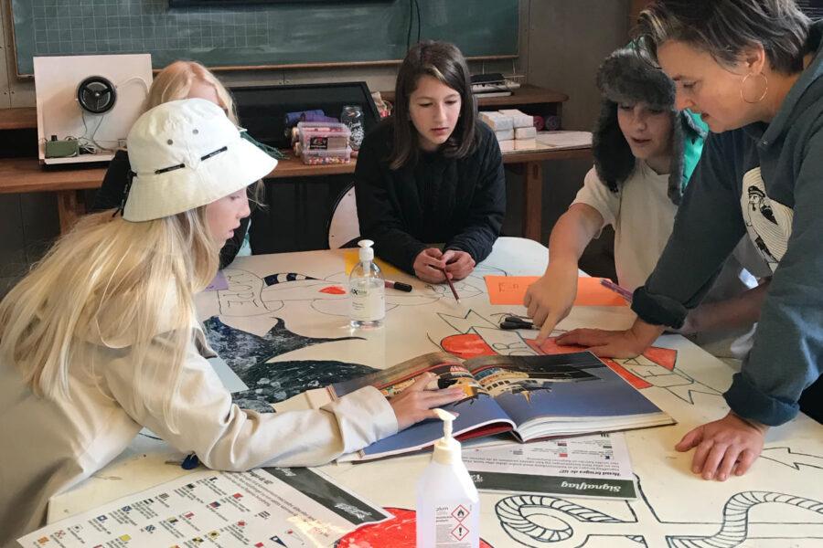 Unge fra Ærø Friskole reflekterer over kunstfærgen