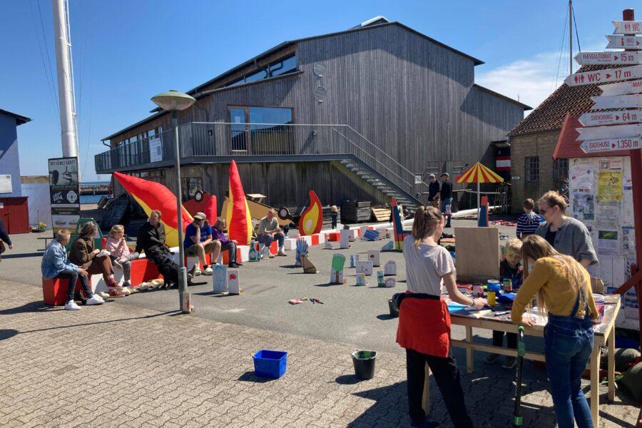 Produktion på havnen 1. Foto af Pelle Brage