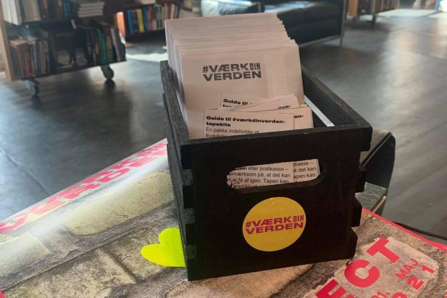 Refleks-kit er leveret til lokale ambassadører. Foto af Another Public